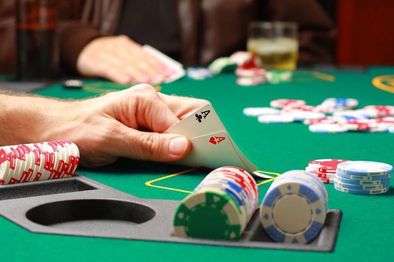 situs agen judi deposit poker online pakai pulsa telkomsel terbaik indonesia uang asli